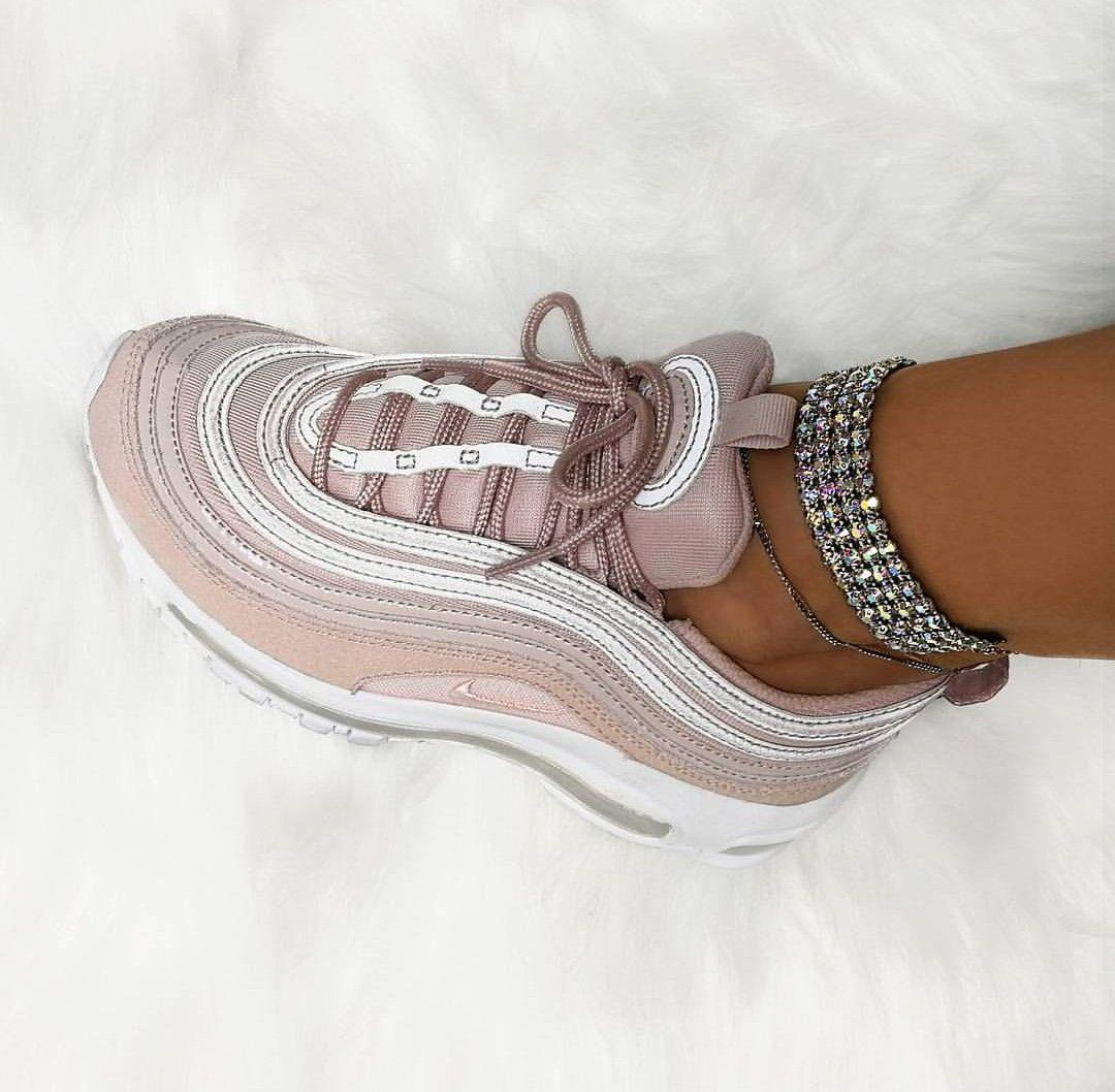 buy online 1e1f9 b6fd0 Nike Air Max 97 in rosé    Foto  oliwyesoukupova  Instagram Sneaker Heels,