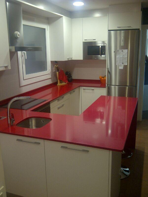 Ideas de #Comedor, Recibidor, Cocina, estilo #Moderno color #Rojo