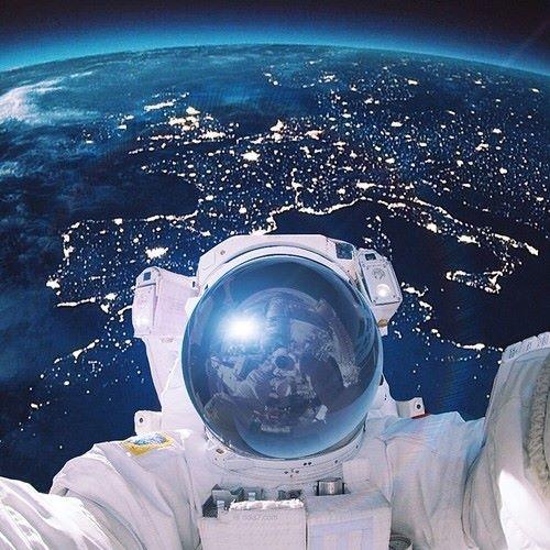 Çin'in Mars kaşifinden uzayda selfie