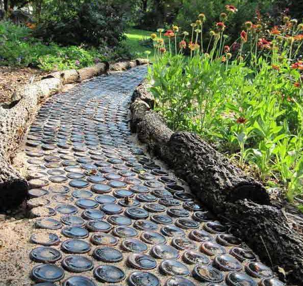 Creative Cheap Garden Ideas: 60 Creative DIY Glass Bottle Ideas For Your Outdoor Living