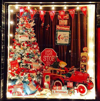 Christmas Store Window Displays at Flint Gypsies in Jacksonville ...