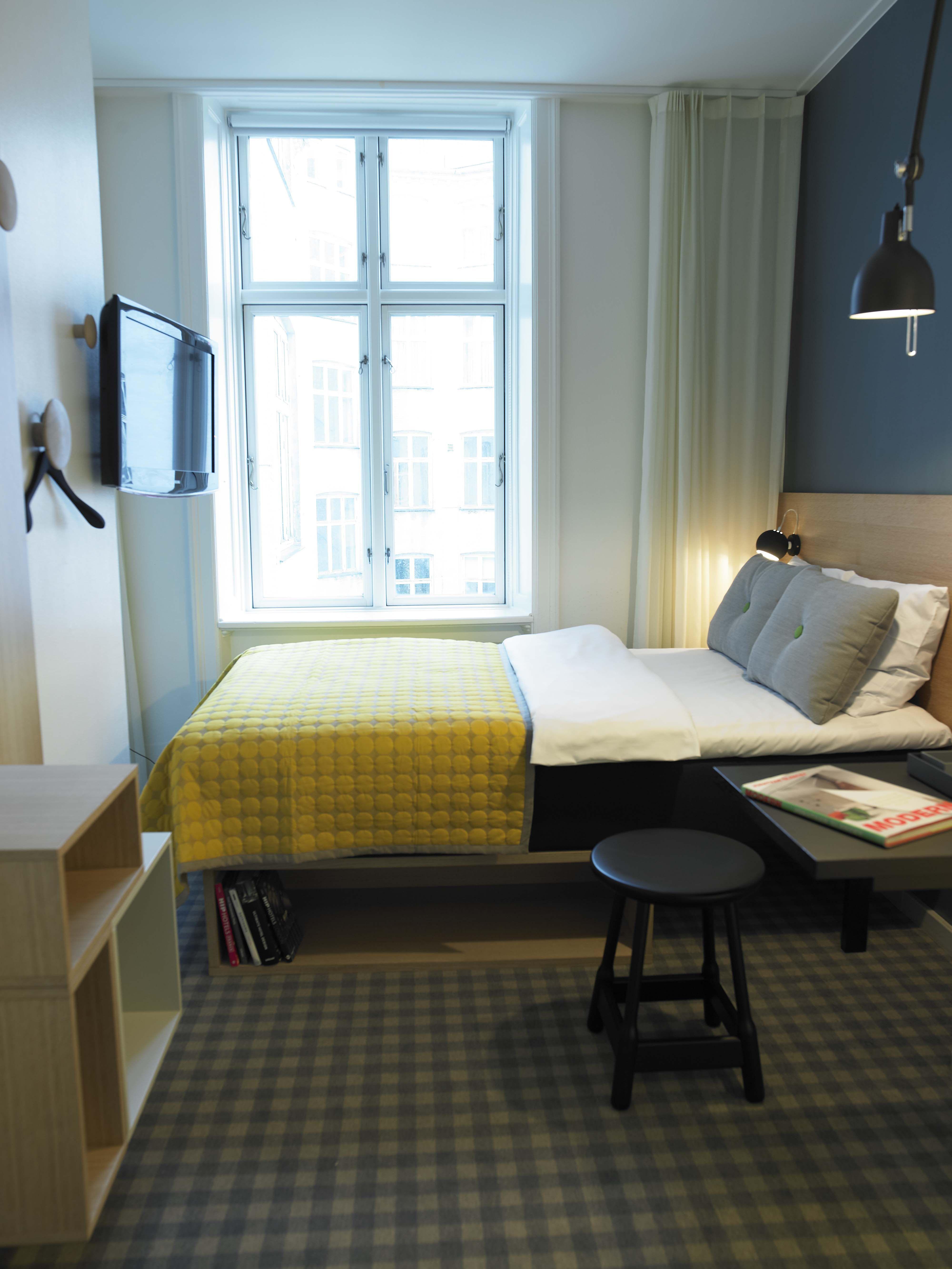 Tiny Hotel Room - Google Small Rooms