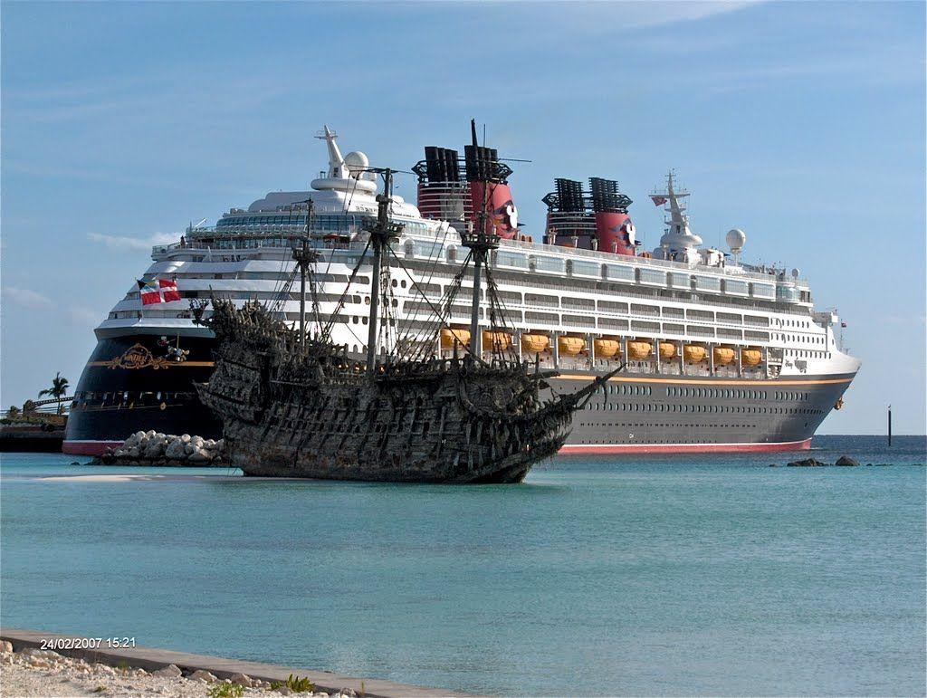 Panoramio Photo Of Flying Dutchman Vs Cruise Ship Killer Boats - Flying cruise ship