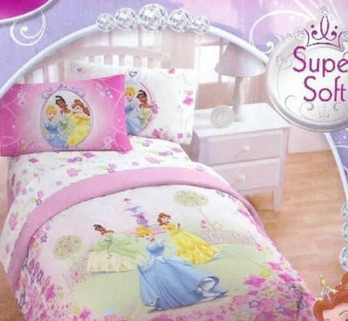Disney Princess Comforter twin/full size Licensed bedding new