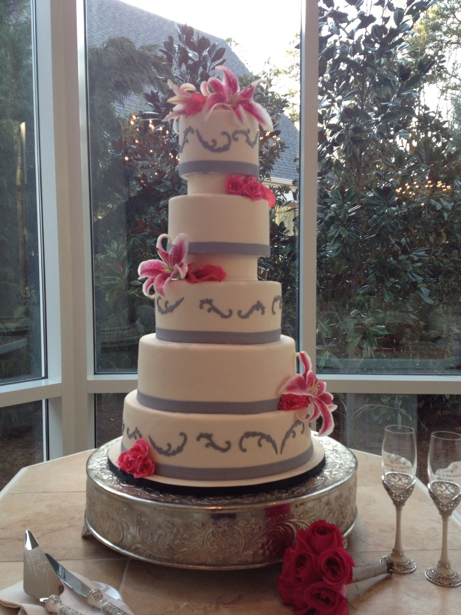 hot pink wedding cake ideas pink and gray wedding cake ssooo gonna be my wedding 15341