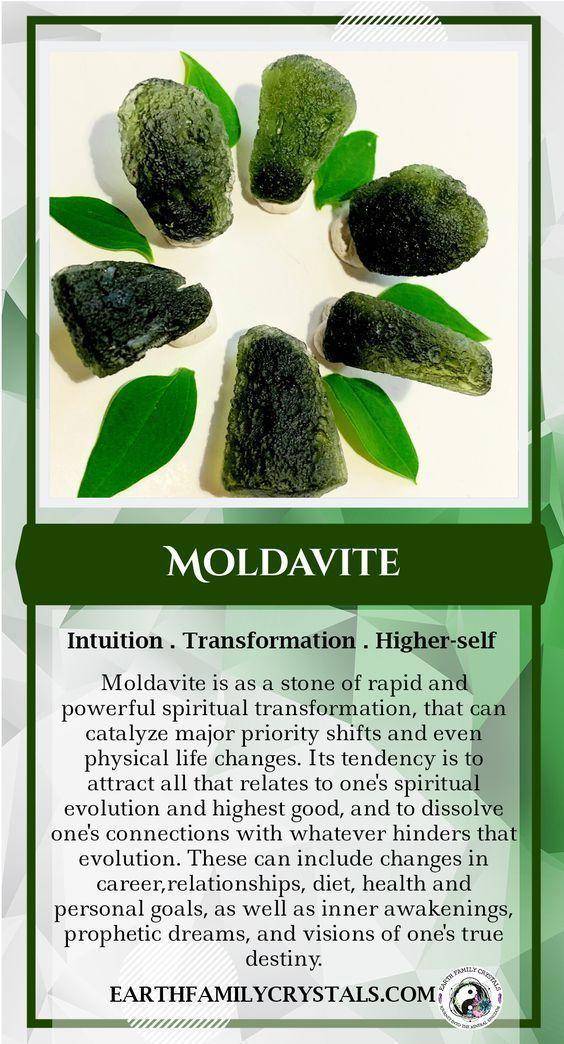 Consigli sul cristallo di Moldavite! #moldavite #crystals #crystal #newage #wicca 💚💚💚 ~ Puoi trovare sul nostro sito web ~ | Pietre curative di cristallo, pietre, cristalli, cristalli