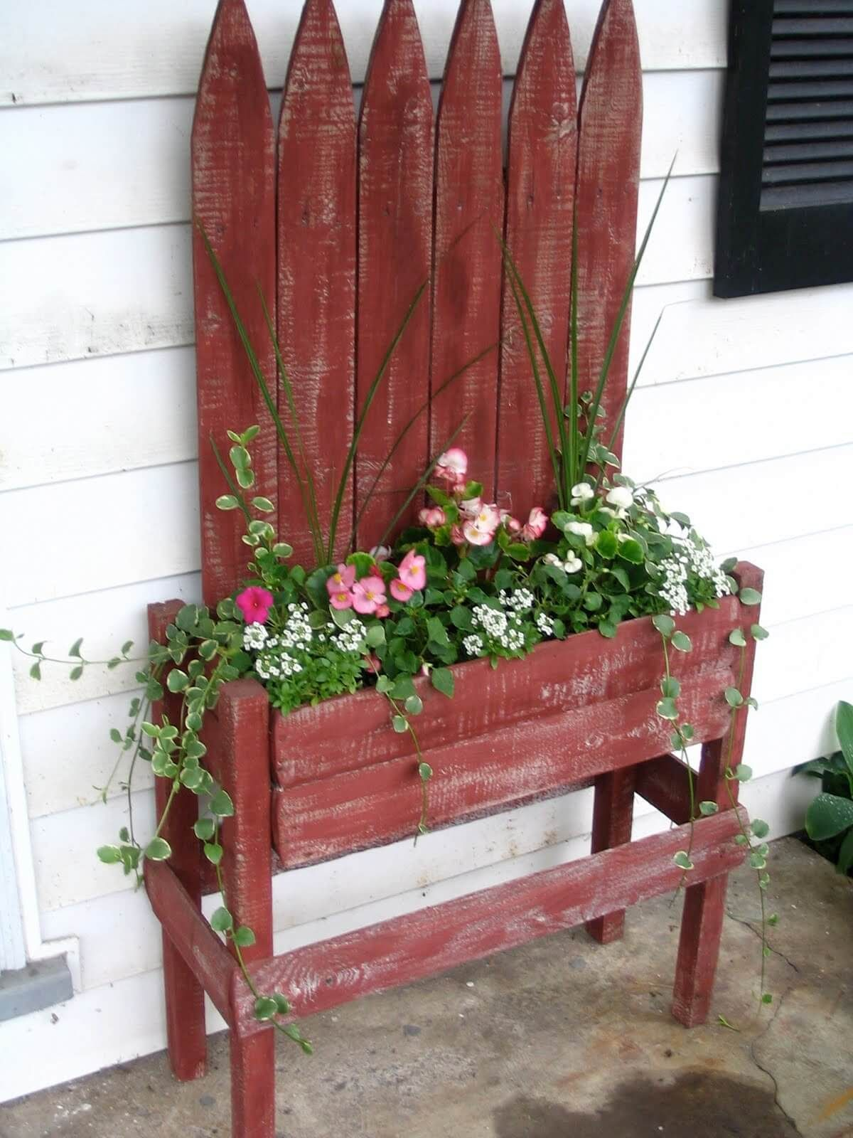 Red Picket Fence Planter With Flowers Fioriere