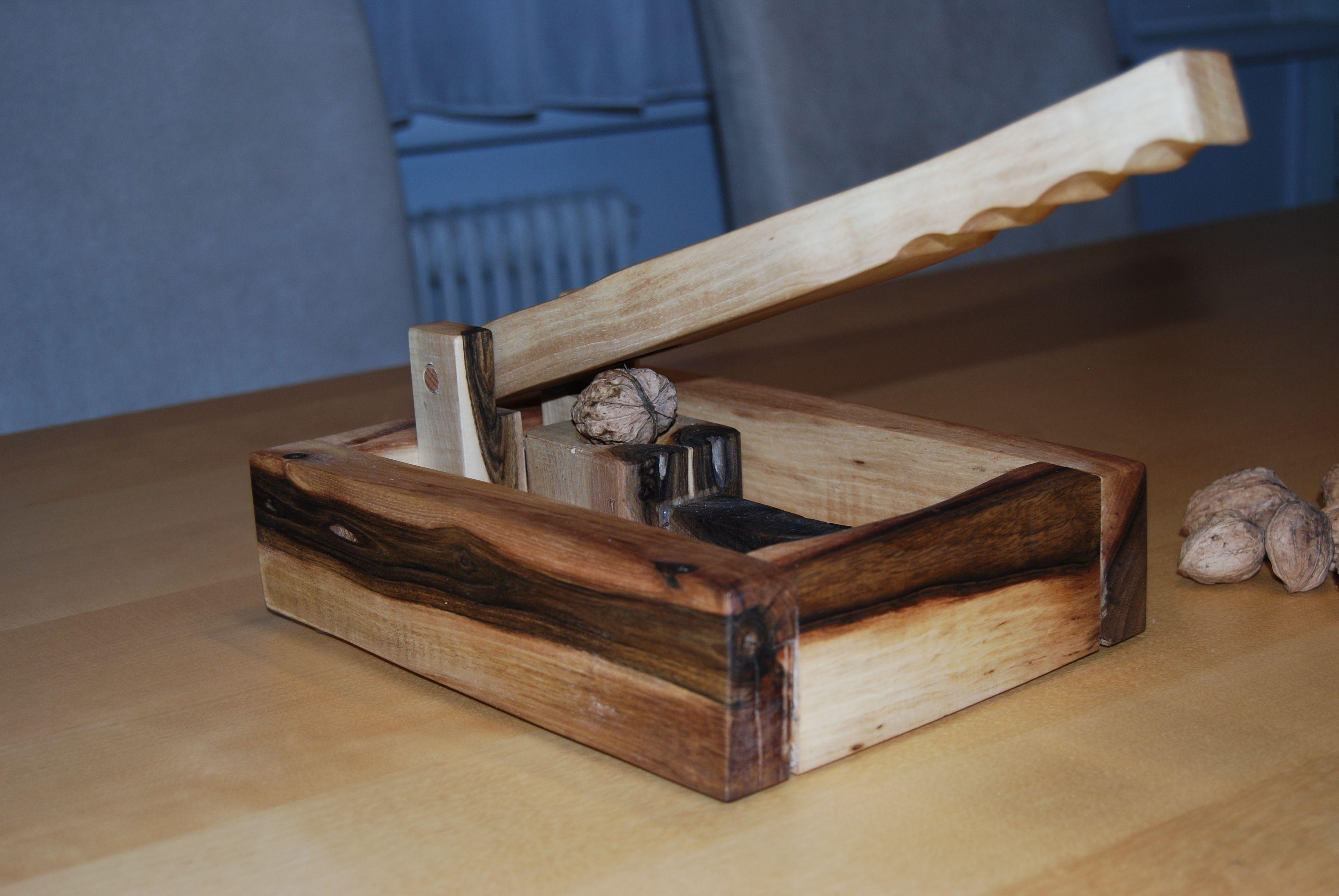 nussknacker aus nussholz was denn sonst version 1 0 anleitung hoizbastla s projekte. Black Bedroom Furniture Sets. Home Design Ideas