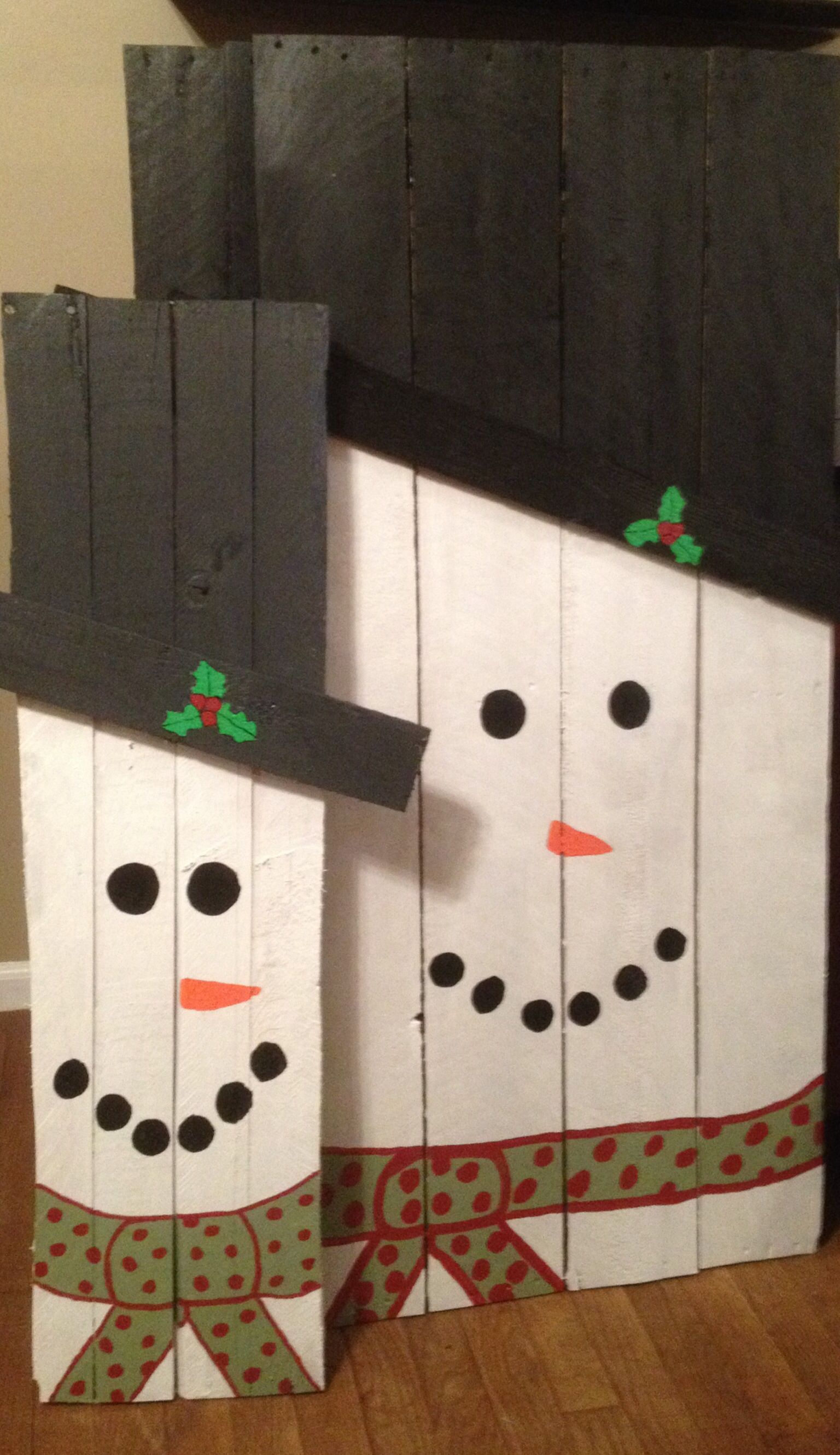 Pin By Melanie Smith On Holidays Christmas Crafts Christmas Wood Pallet Crafts