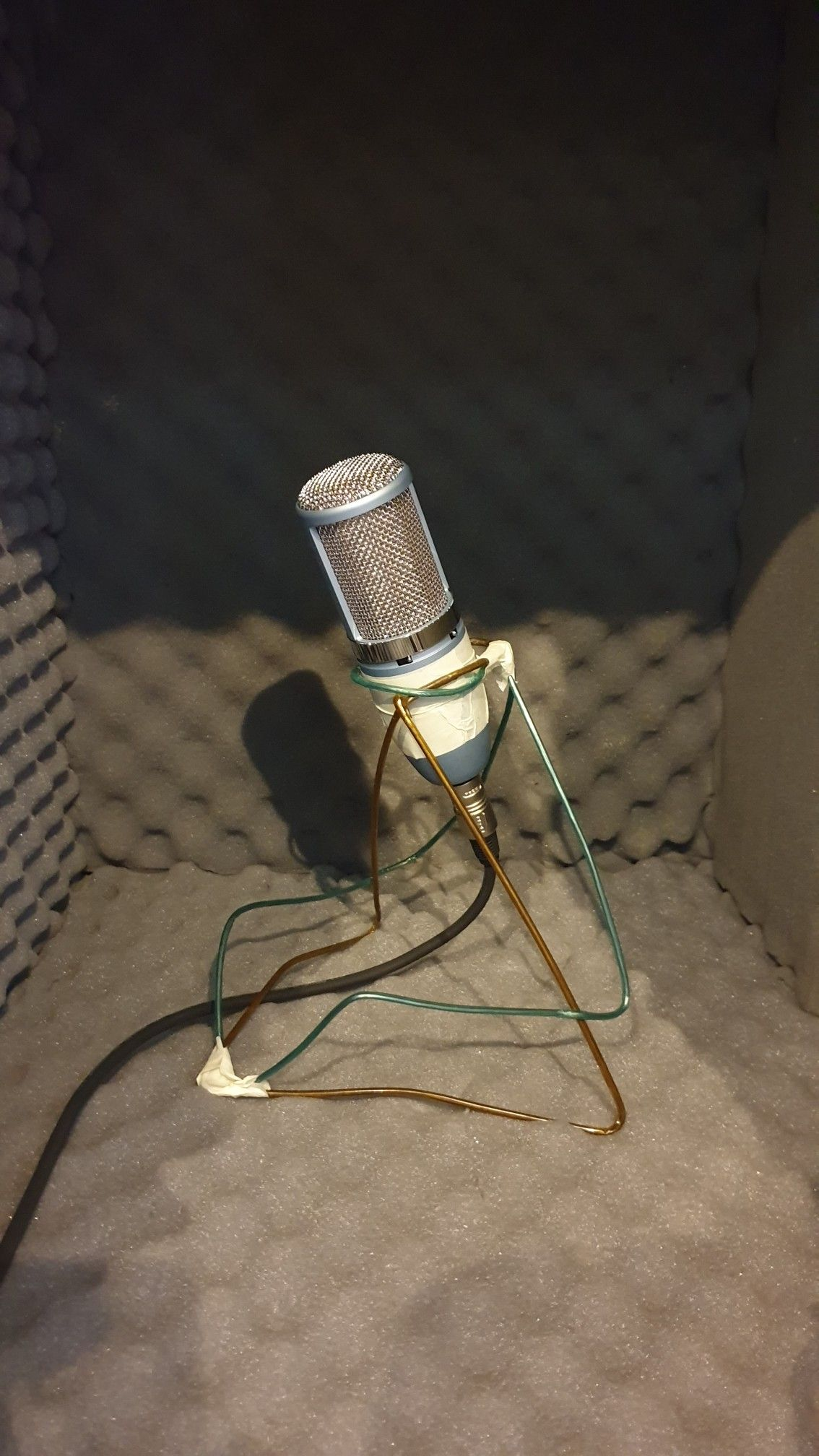 Diy Mic Desk Stand Which Is Made Of 2 Metal Hangers It Is Much Stable For Somehow Heavy Mics In 2020 Metal Hangers Electronic Products Recording Microphone