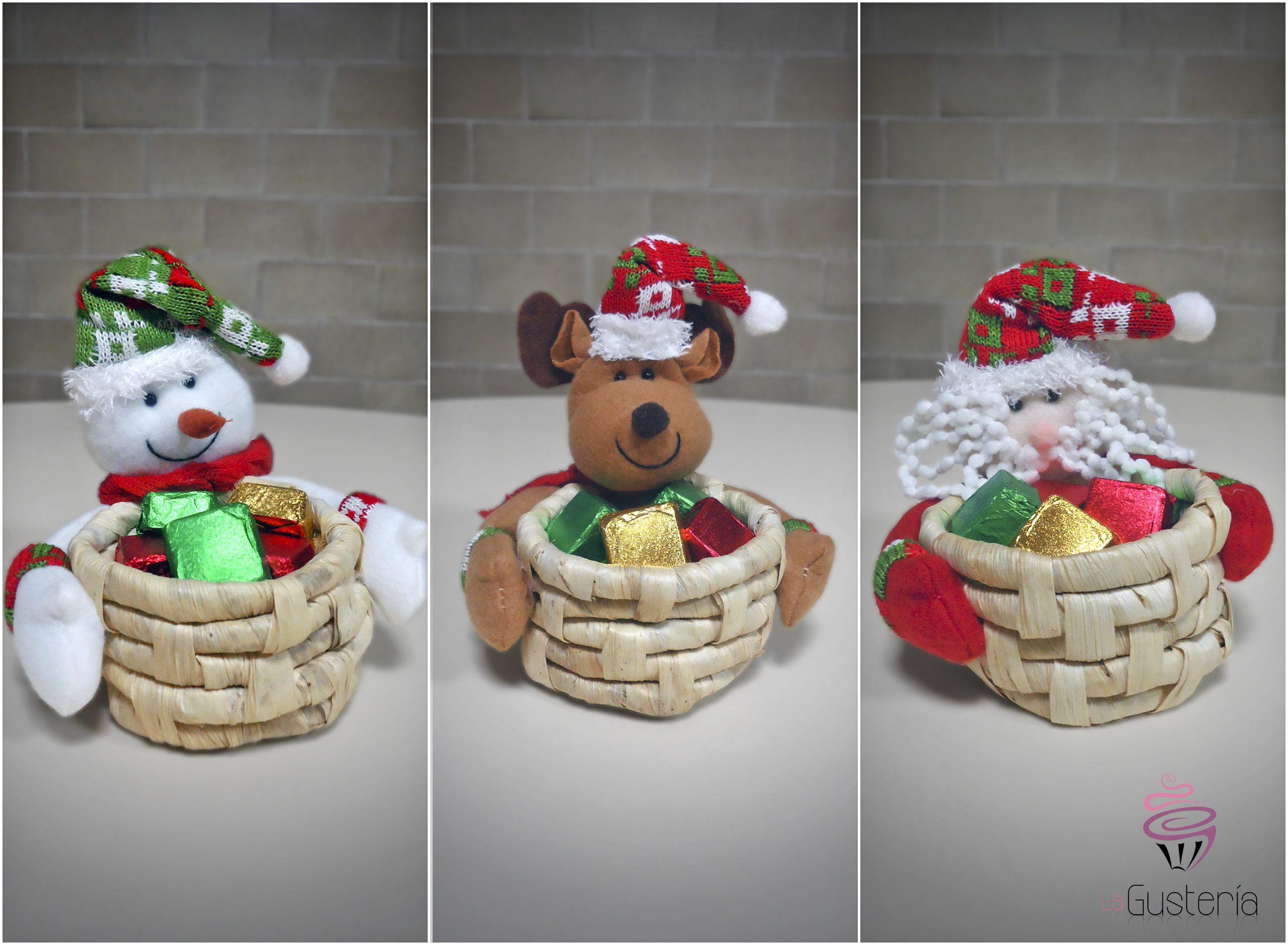 Canastas navide as de chocolates peque as canastas con 10 - Canastas de mimbre decoradas ...