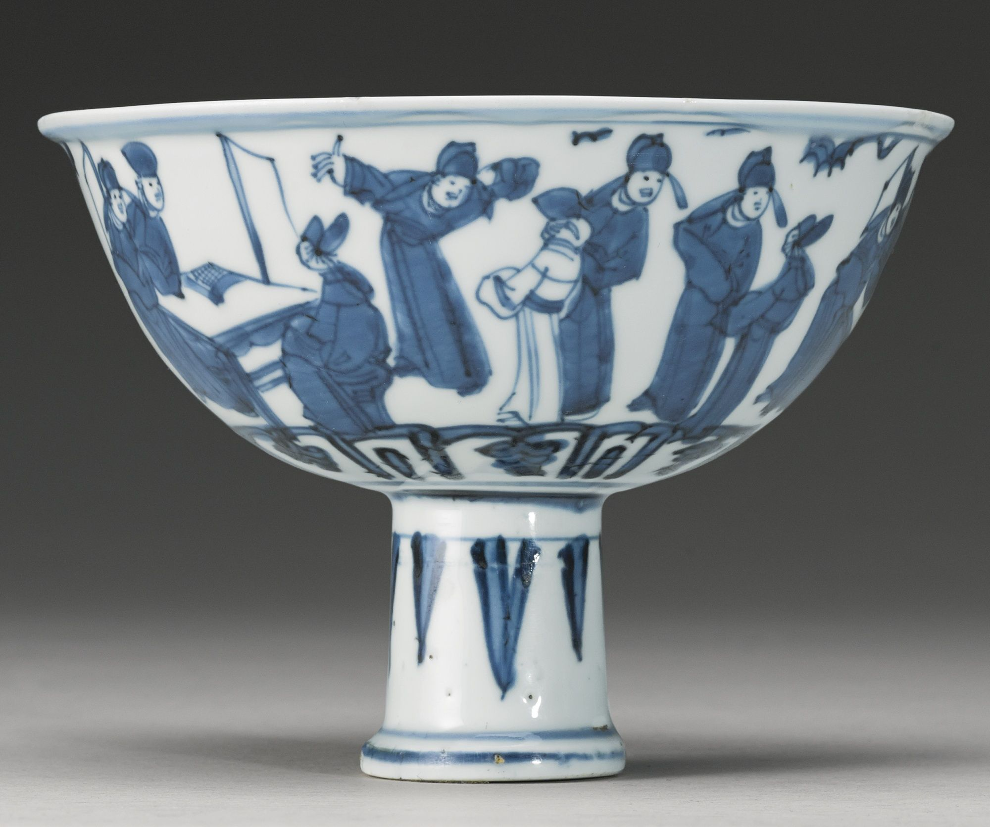 A BLUE AND WHITE 'SCHOLAR'S' STEMBOWL 17TH CENTURY