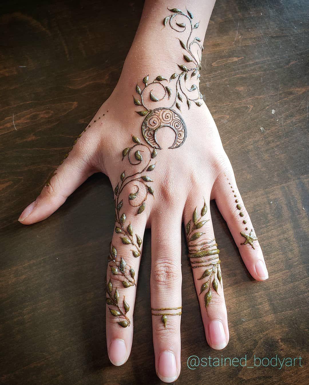 moon vines henna design for a pisces | Henna mehndi heena ...