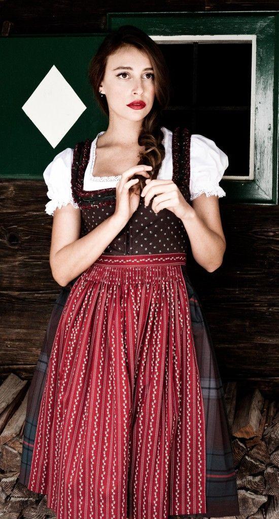 Lena Hoschek Trachten, Steiermark ~ Love this dirndl ...
