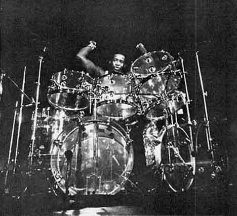 floyd sneed of 3 dog night played a double bass zickos clear acrylic set drums and drummers. Black Bedroom Furniture Sets. Home Design Ideas