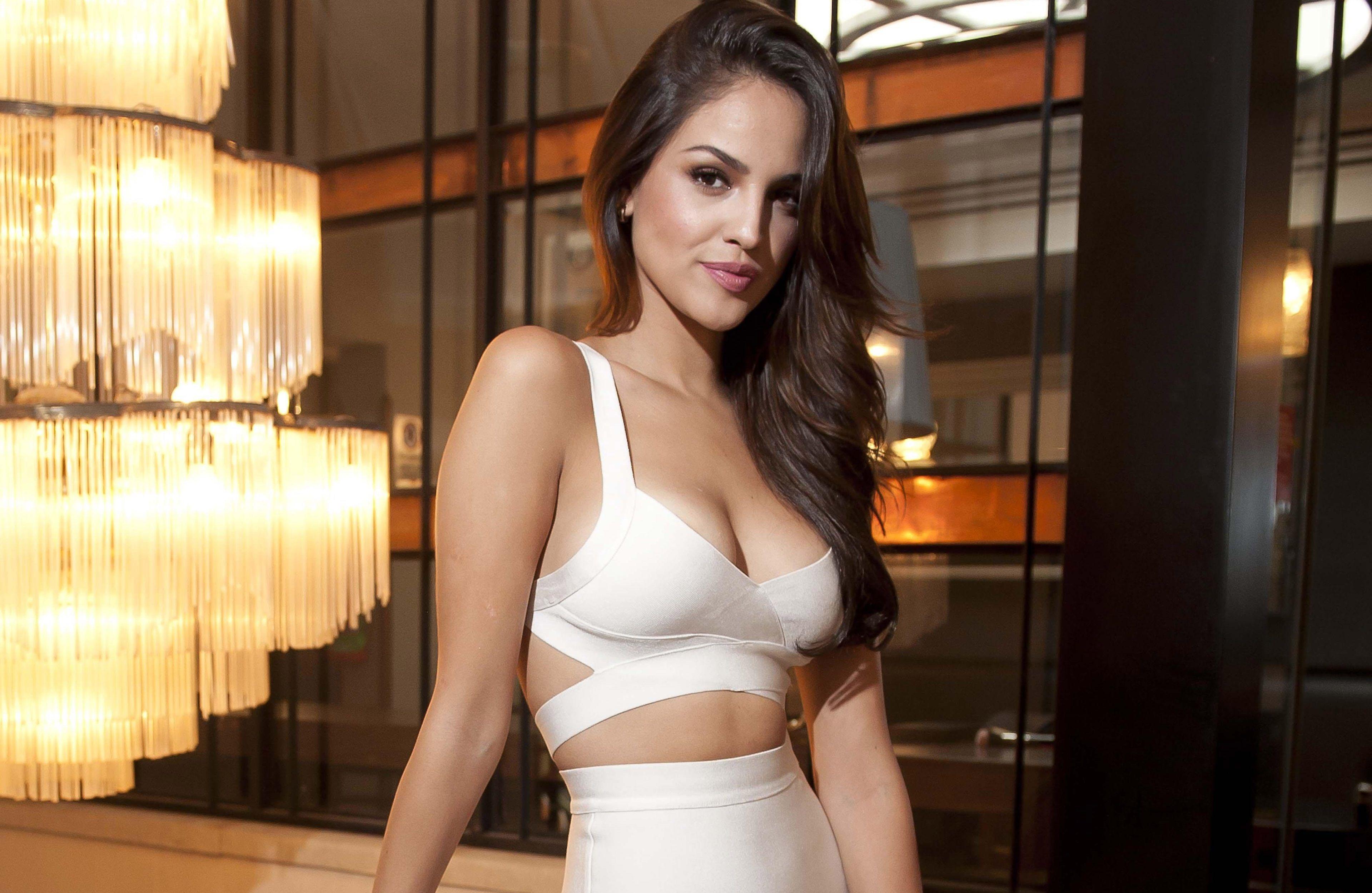 3840x2500 Eiza Gonzalez 4k Amazing Wallpaper Hd Eiza Gonzalez Mexican Actress Brunette