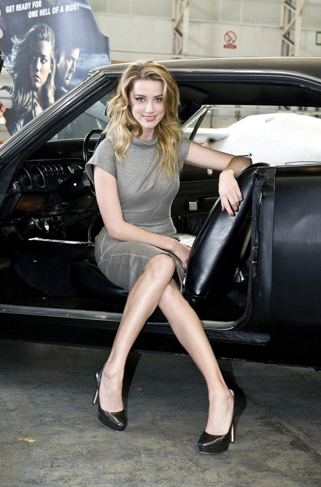 stop-sexy-female-legs-in-classic-cars