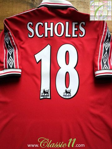 513d02cb124 Relive Paul Scholes  1998 1999 Premier League season with this vintage  Umbro Manchester United home shirt.