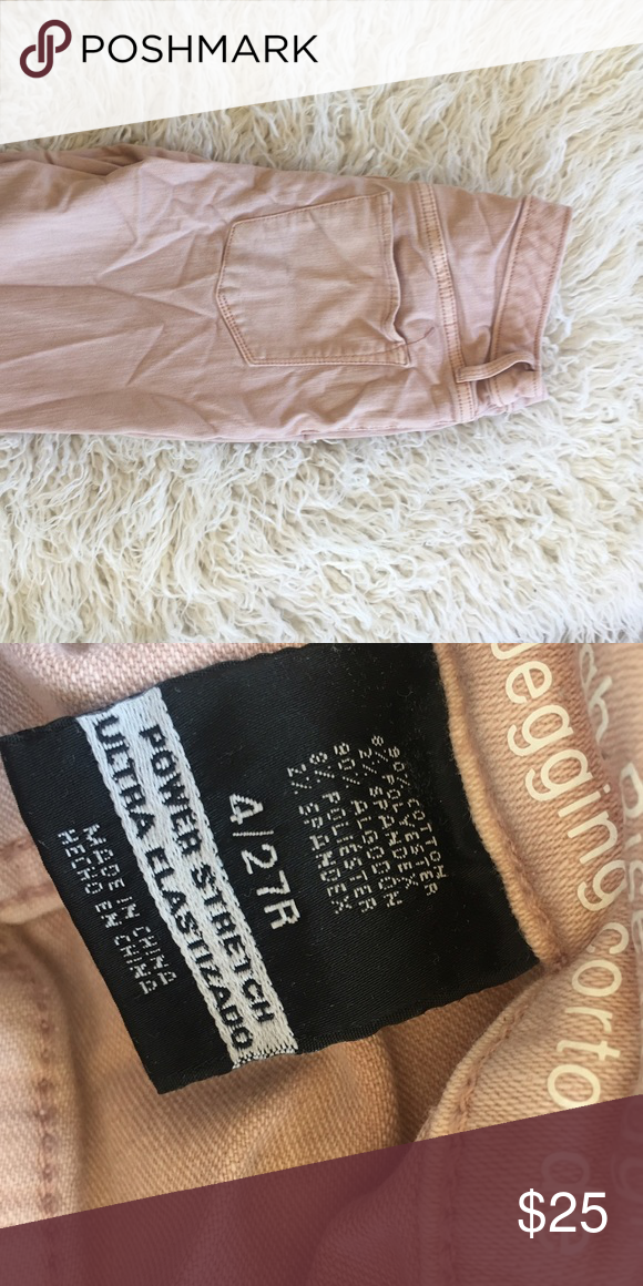 (4) Light Pink Skinny Jeans Used in good condition! No flaws! Use offer button for offers! Pants Skinny
