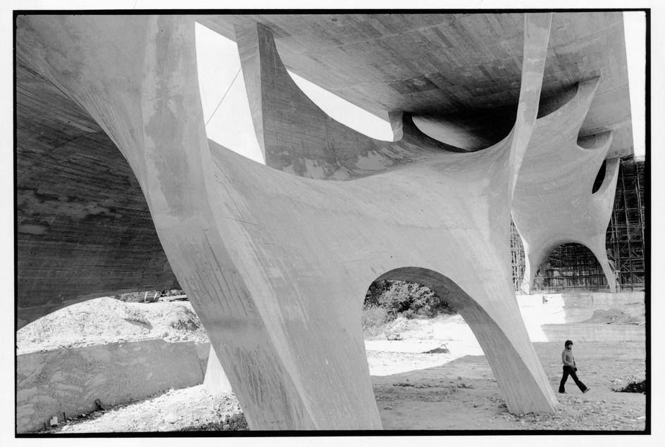 6) Henri Cartier-Bresson, ITALY. Basilicata. 1973. Bridge near Potenza