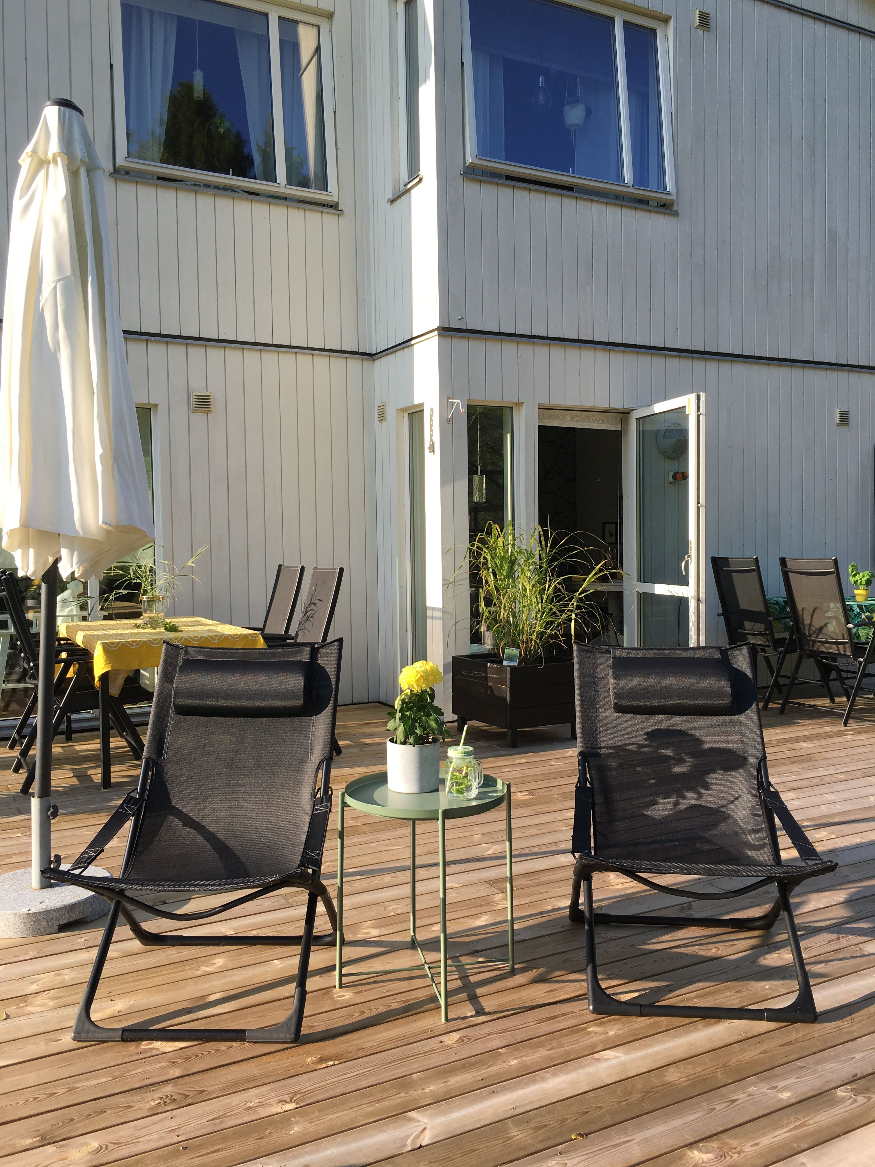 Our house with sundeck and green house outdoor kitchen and bar with