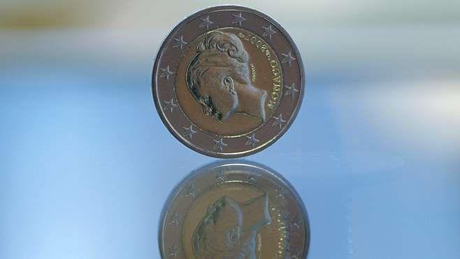 Vuonna 2007 lyötiin Monacon juhlaraha, jota koristaa näyttelijä ja ruhtinatar Grace Kelly. Rahan arvo on nyt 1000–2000 euroa.
