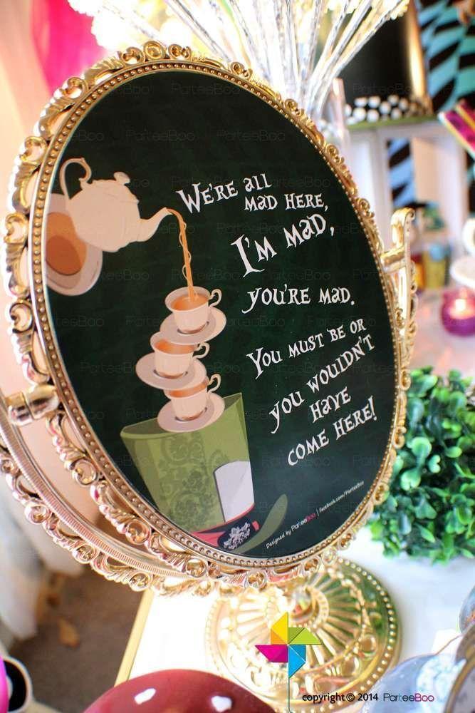 不思議の国のアリスがテーマの結婚式アイデアまとめ ワンダーランドパーティー ティーパーティー バースデー テーマパーティー