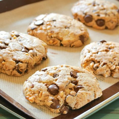 The Girl with the Wooden Spoon: Hazlenut and Nutella Chocolate Chip Cookies