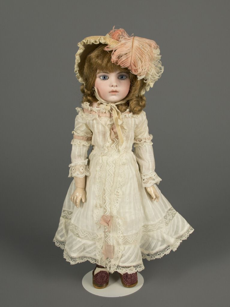 77.2629: doll | Dolls from the Early Twentieth Century | Dolls | National Museum of Play Online Collections | The Strong