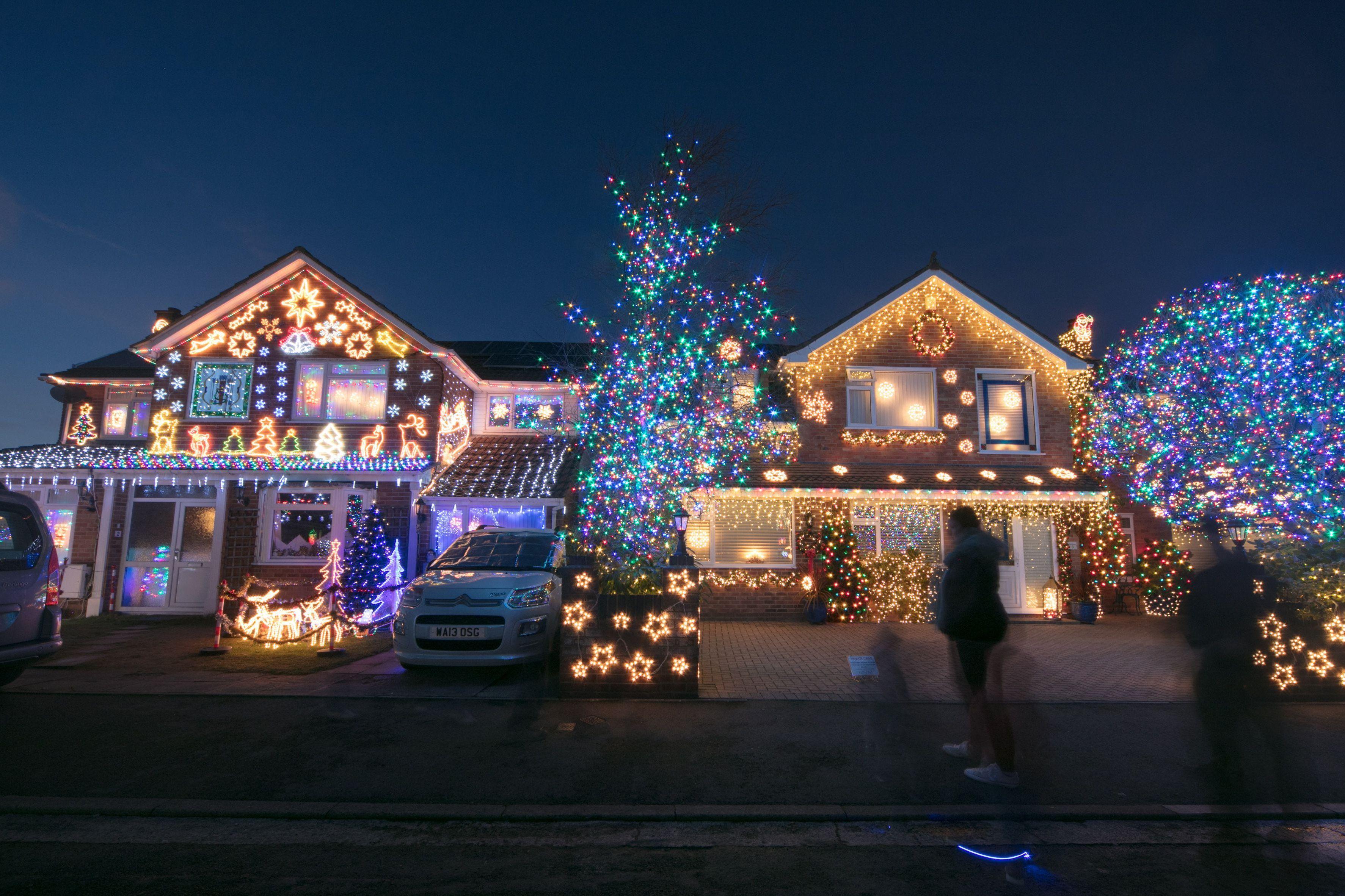 Make The Ultimate Christmas Display With Music And Lights Best Christmas Lights Christmas Light Displays Best Christmas Light Displays