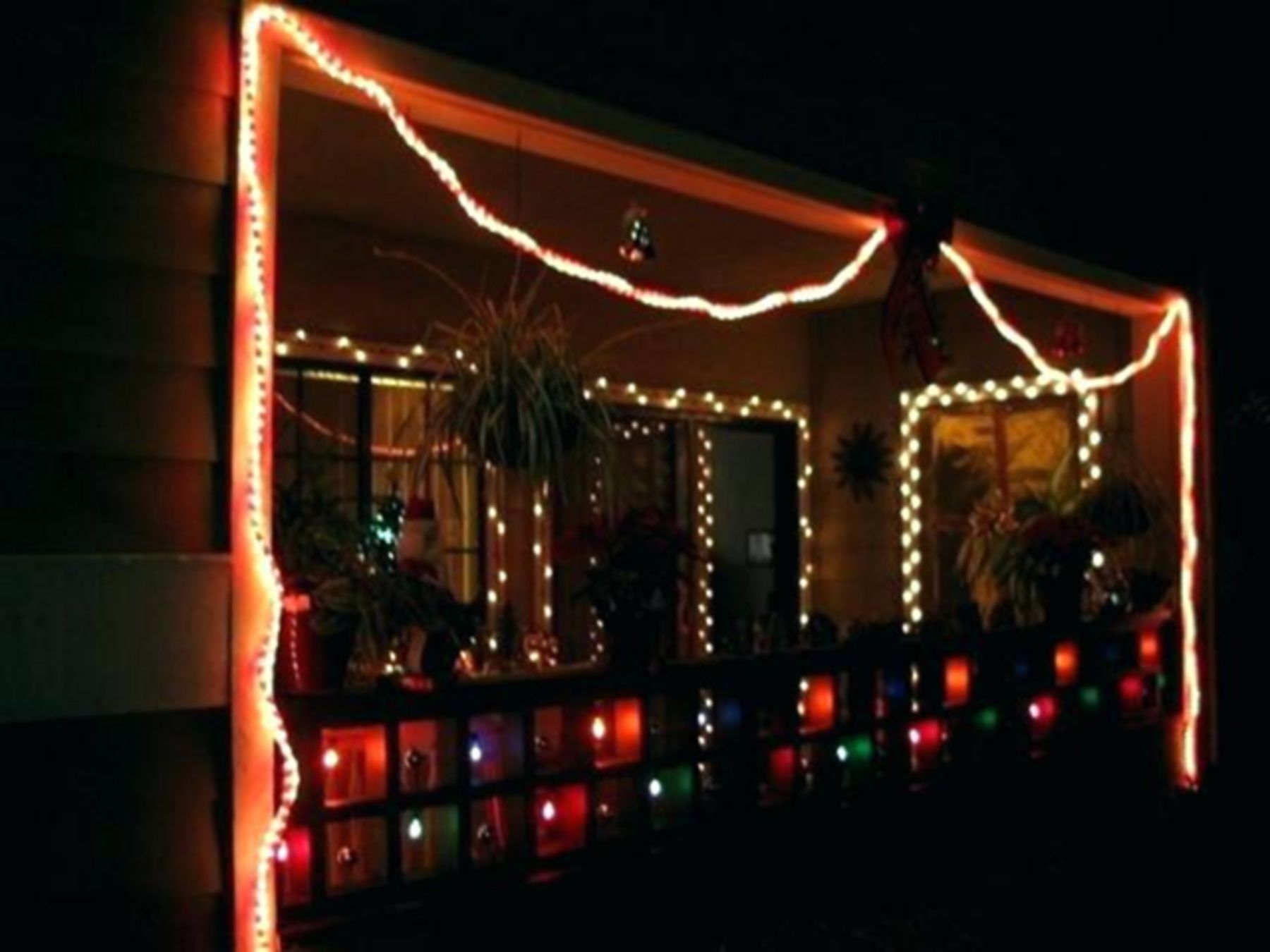 20 Cool Christmas Lights Decorating Ideas For Balcony Decorating With Christmas Lights Christmas Lights Christmas House Lights