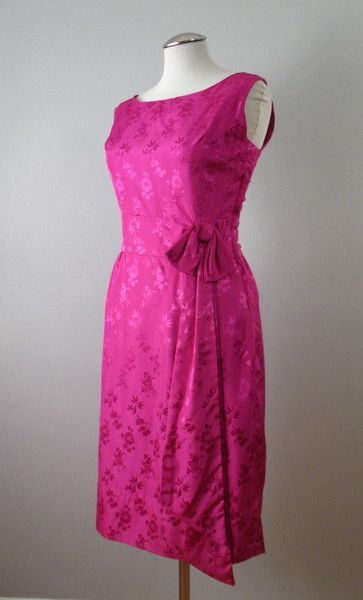 Vintage 60s Cocktail Dress Magenta Jacquard Large bust 40