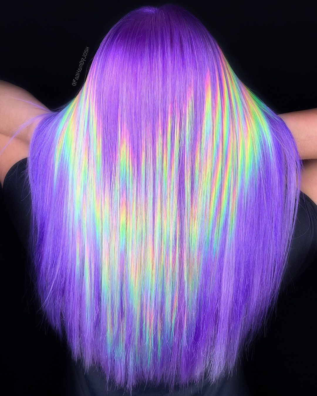 There's now a Holographic Hair Craze and its Mesme