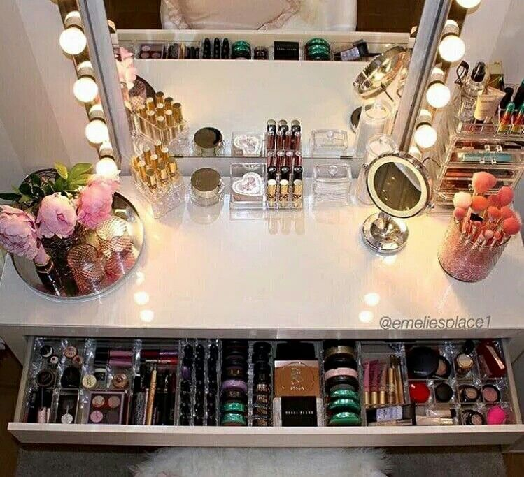 Dressing Table Goals With Images Makeup Rooms Makeup Storage