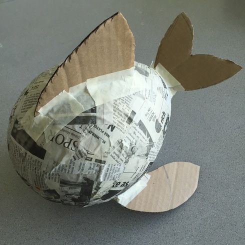 Paper mache fish with balloon paper mache puffer fish for Simple paper mache projects