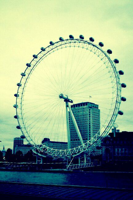 London eye.  © Laleh Creative All rights reserved.  http://lalehcreative.weebly.com/