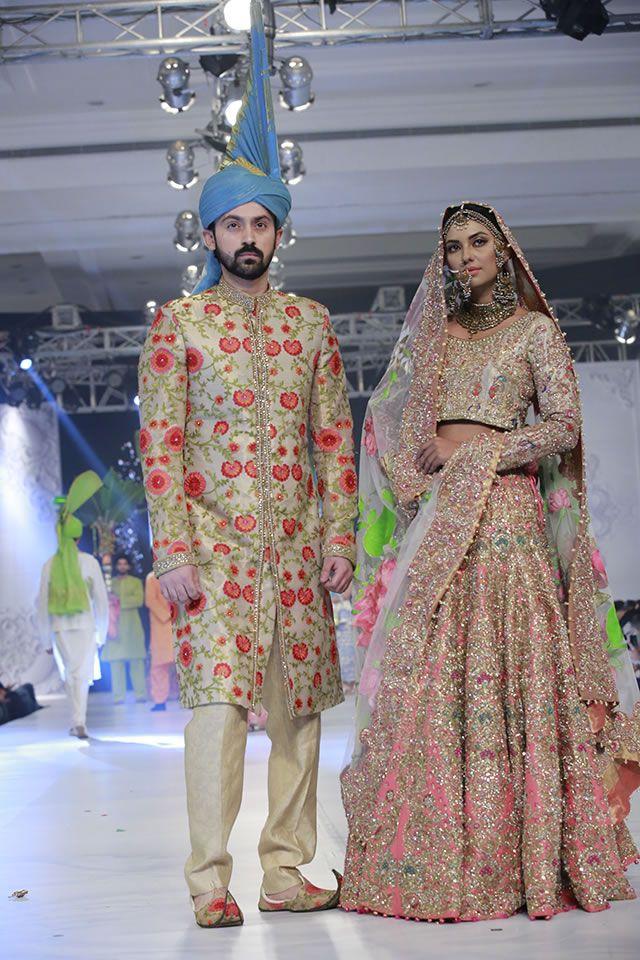 Ali Xeeshan Latest Collection At Pfdc Loreal Paris Bridal Week 2016 Pakistani Bridal Pakistani Bridal Dresses Pakistani Bridal Wear