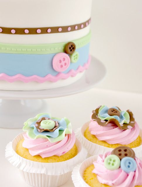 button cake and cupcakes