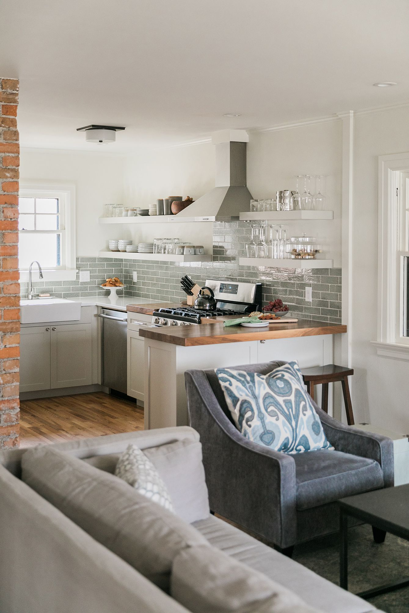 Kitchen Family Room Designs: These Kitchen Peninsulas Are Gorgeous (and Functional