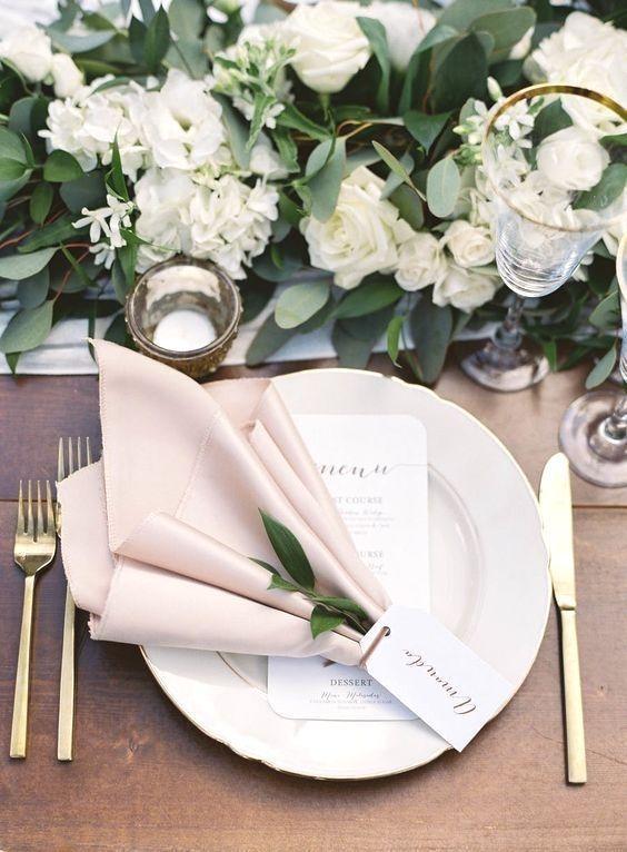 Pin Von Fs Auf Hochzeit In 2020 Elegante Hochzeit Hochzeit Gedecke Hochzeit Tischdekorartion