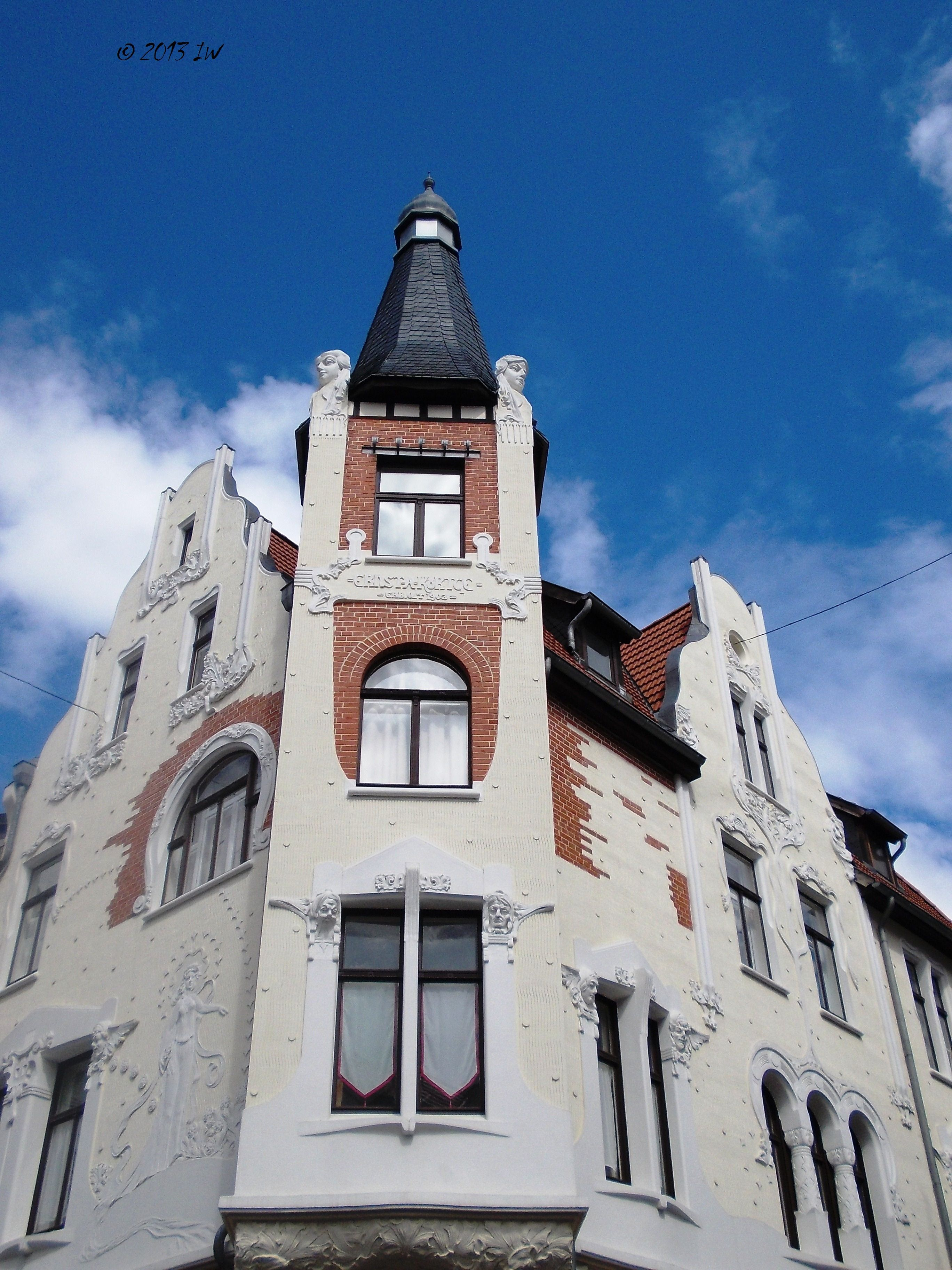 Beautiful Jugendstil architecture in Quedlinburg. I was pleasantly surprised to discover many interesting buildings with the finest decorations. For a couple of seconds, I dreamed I am in Vienna.
