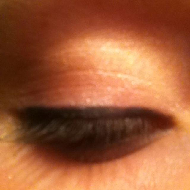 Summer-y eye makeup.