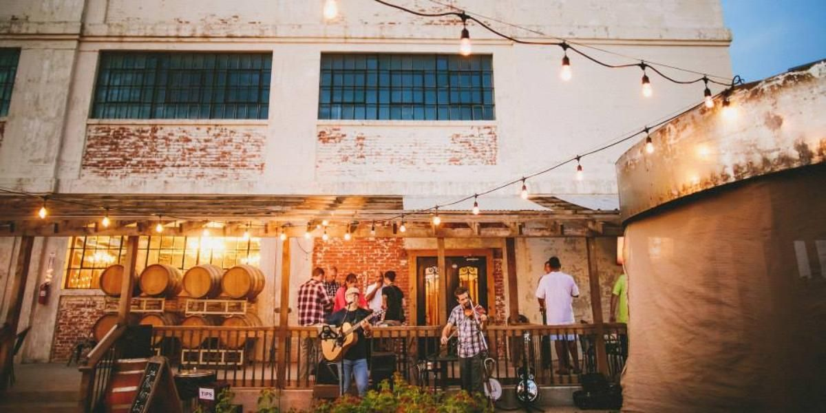 The Mill Wine Bar Weddings Get Prices For Dallas Wedding Venues In Abilene Tx