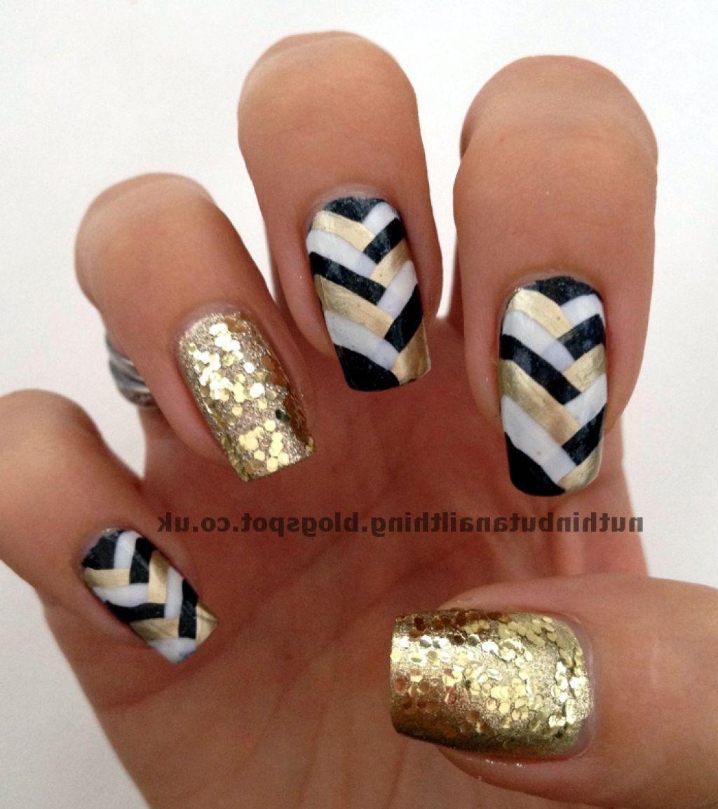 Black White And Gold Braided Design Nail Art Gold Nails Black