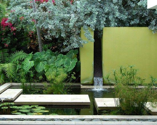 Wasseroase Wasserfall Modern Gartenteich Hohe Mauer Sichtschutz