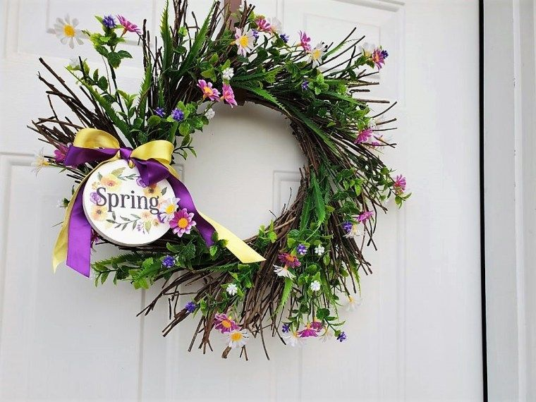 Photo of MAKE A SUNBURST GRAPEVINE WREATH