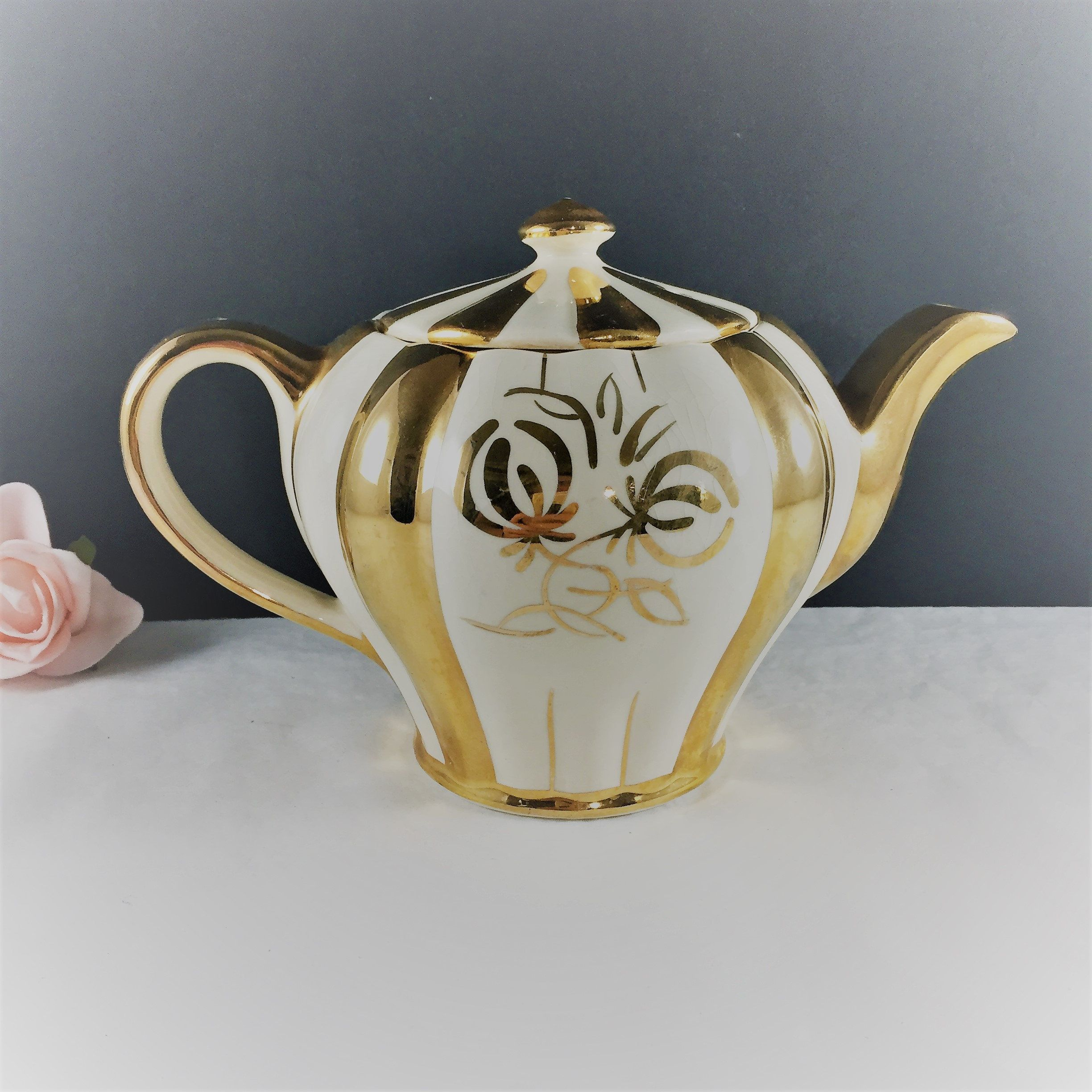Vintage Teapot Gold And White Collectible Teapot Full Size Sudlow Teapot Vintage Teapot Made In England Burslem Teapot Gift For Her Tea Love Tea Pots Vintage Tea Pots Porcelain Tea Set