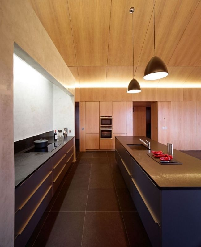 Holztäfelung Küche Haus aus Holz Deckengestaltung-Loft Charakter