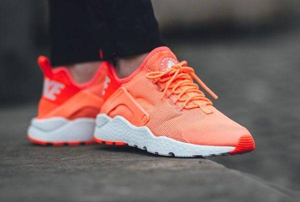 new products ef766 a44ba La Nike Air Huarache Ultra Run  la version femme de la Huarache post image