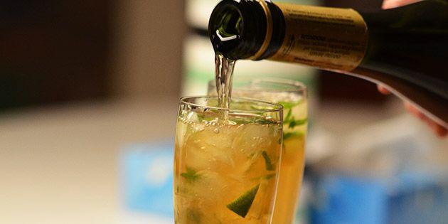 Fuldstændig forrygende velkomstdrink, som er en lækker blanding af champagne og mojito.